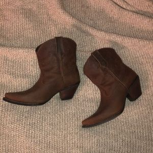 BRAND NEW Ariat Western Boots size 8.5.